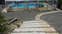 piscine et sa plage